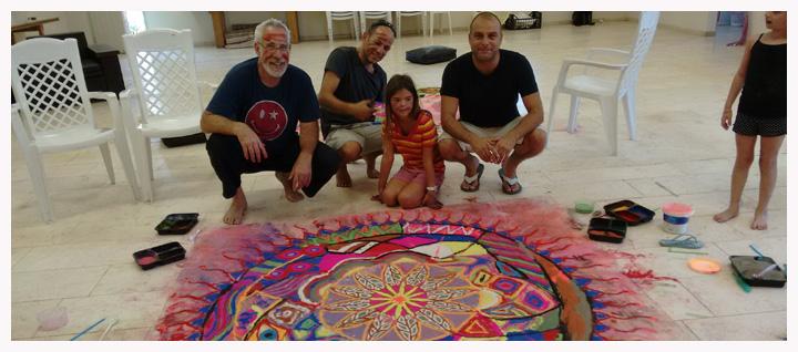 סדנת חול משותפת לכ- 30 משתתפים - הורים וילדים